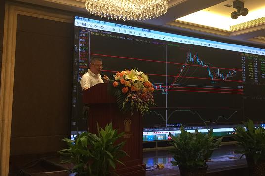凤鹤年:大的框架看趋势 小的框架找交易机会