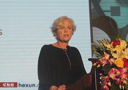 联想财务公司全球总经理Diane Croessmann