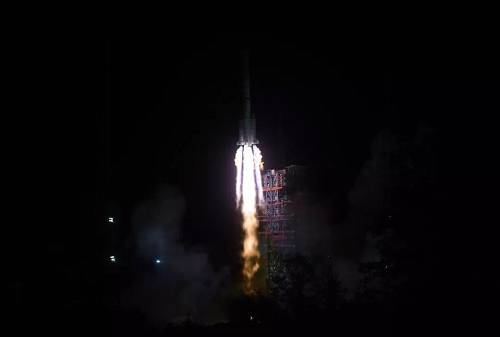 2018年12月8日早晨2时23分,中国在西昌卫星发射中间用长征三号乙运载火箭成功发射嫦娥四号探测器。(视觉中国)