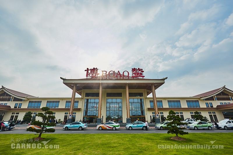 图:三亚凤凰国际机场
