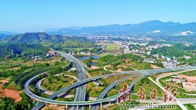 河源龙川县委书记黄添胜:争