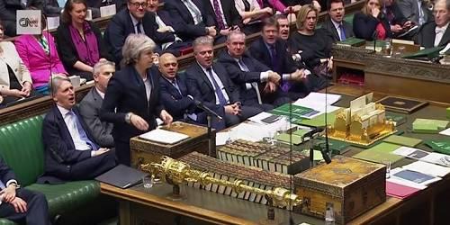 投票前,特雷莎·梅在议会演讲