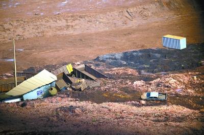 巴西发生矿坝决堤