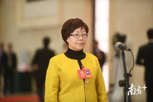 """广东省政协""""委员通道""""再开启 """"红毯委员""""的精华语录都在这儿"""