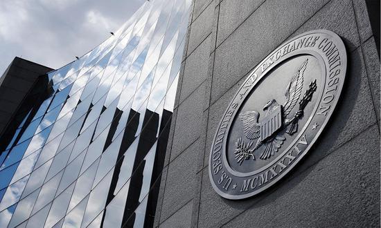 当全国最大证券交易所决定起诉全国最主要的监管机构,市场又有好戏看了。