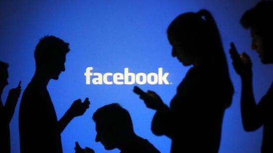 此后,Facebook已经取消了这类功能,但否认存在安全漏洞,并指出该公司已创建了新选项,?#21592;?#36825;些组织不易被发现。诉状称,尽管Facebook已有改进,但在敏感群体中,获取个人信息依然轻而易举。