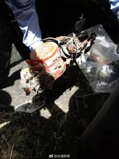 据前方救援人员透露,昨日失事的ET302次航班黑匣子已找到,已由埃塞航空工作人员带回检测。