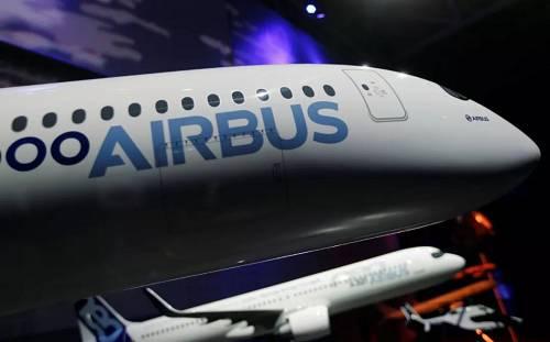 资料图片:空中客车A350型客机的模型(新华社/路透社)