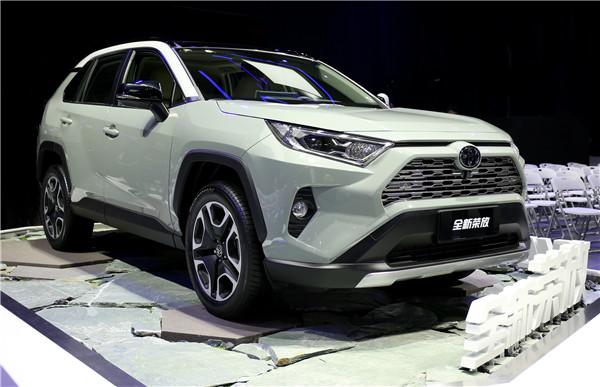 丰田加快电动化产品阵营扩充 C-HR EV与奕泽IZOA EV首发
