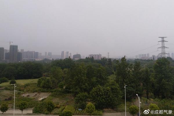 四川今夜强降雨来袭 成都雅安等14市局地暴雨