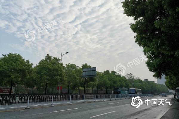 今起湖南阳光登台气温升 五一假期前晴后雨湘东需防大雾