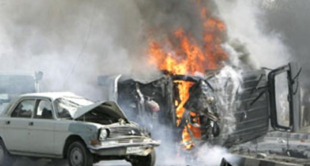 座椅下被悄悄放了炸弹,一扭钥匙就爆炸:2名巴铁军官被火球吞噬