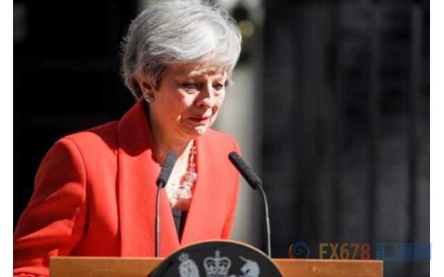 梅姨红装含泪宣布离职表,保守党领导人争夺战打响发令枪,谁将更胜一筹?