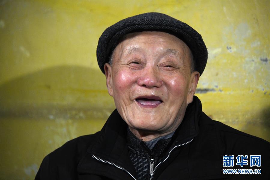 这是3月31日拍摄的张富清。新华社记者 程敏