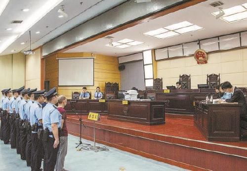 非法控制企业经营 安保员工涉恶犯罪获刑14年半