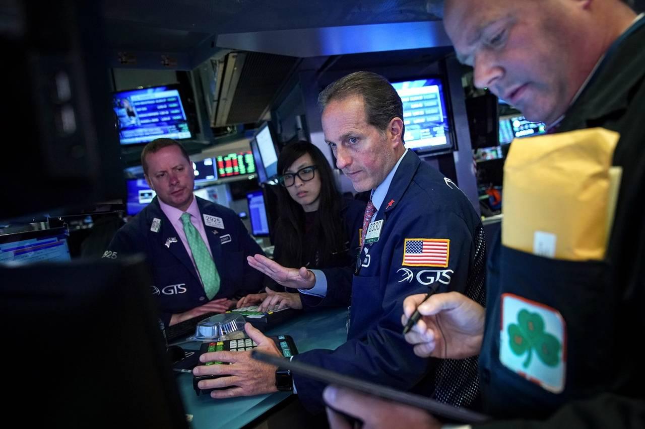 今年迄今美国股票基金上涨17%,但投资者为何不断撤离?