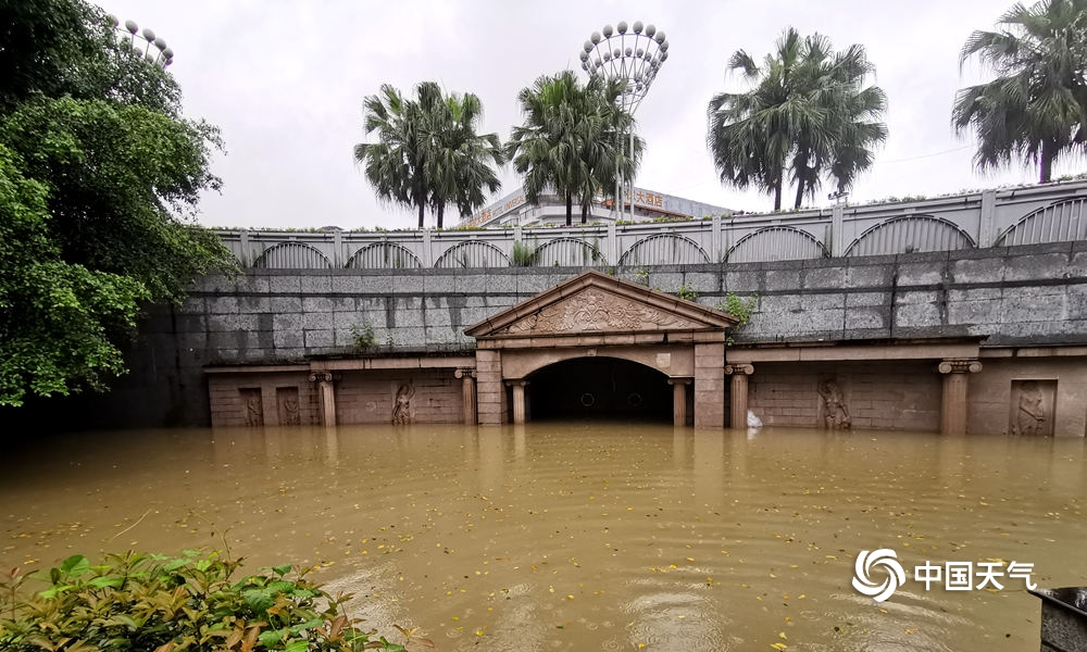 桂林暴雨再次来袭 城区内涝严重