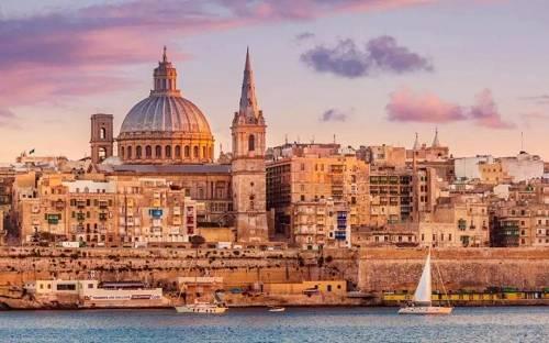 """作为最小的欧盟成员国,马耳他却是一个高度发达的资本主义国家,其鹰隼之眼早早的就盯上了区块链与加密货币。并被人们盛誉为""""区块链之岛""""。"""