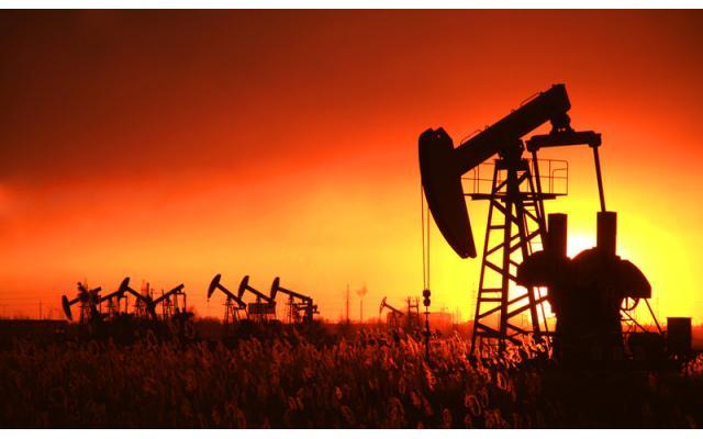 原油周评:特朗普、欧佩克相互较劲,聚焦需求前景,油价鏖战55关口
