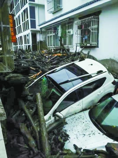 强降雨已致四川阿坝8人死亡26人失联