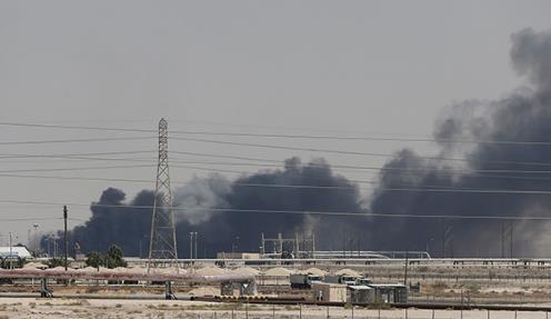 沙特设施遭袭,油价大涨专家:地缘政治影响力被放大