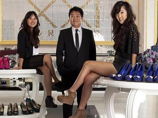 Forever 21创始人张东文和两个女儿