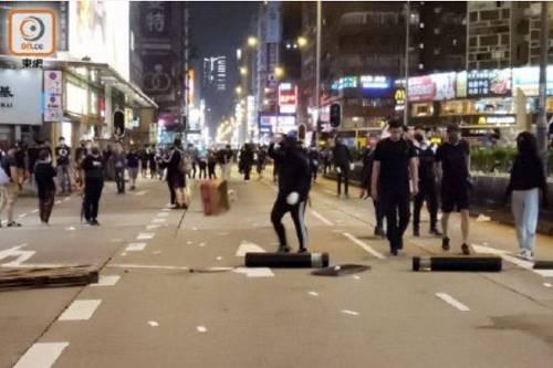 香港政务司司长办公室人员涉暴被捕