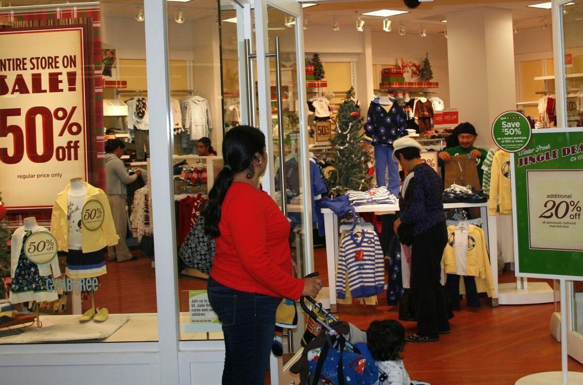 美国零售巨头业绩喜忧参半 年终购物季销售压力有点大