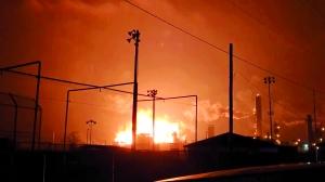 美国得州一化工厂爆炸 民众紧急疏散