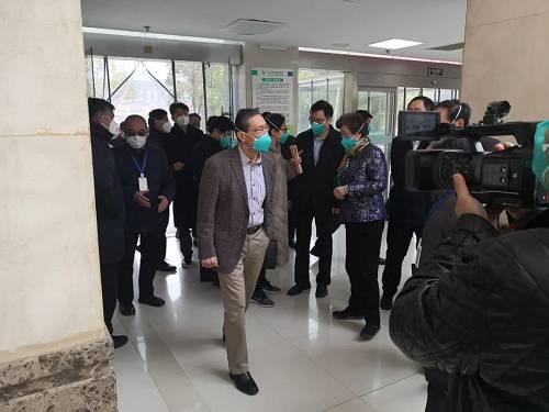 钟南山1月19日到达武汉调研 图片来源:人民日报