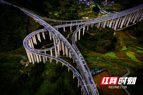石家寨互通立交桥:大地的音符