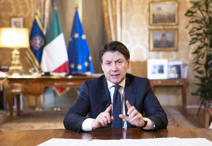 意大利总理孔特宣布新经济纾困措施 (源自 安莎社)