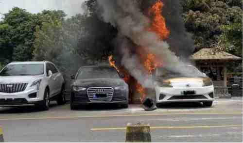 """这个夏天,新能源汽车又""""火""""了"""