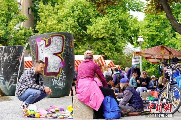 德国柏林一住宅街区暴发聚集性感染被隔离