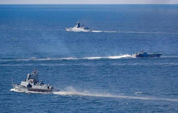 俄军在波罗的海举行大规模军演 30多艘战舰参演