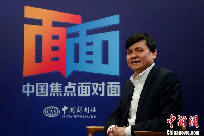 张文宏:疫苗研发速度加快 科技发展增强控制疫情信心