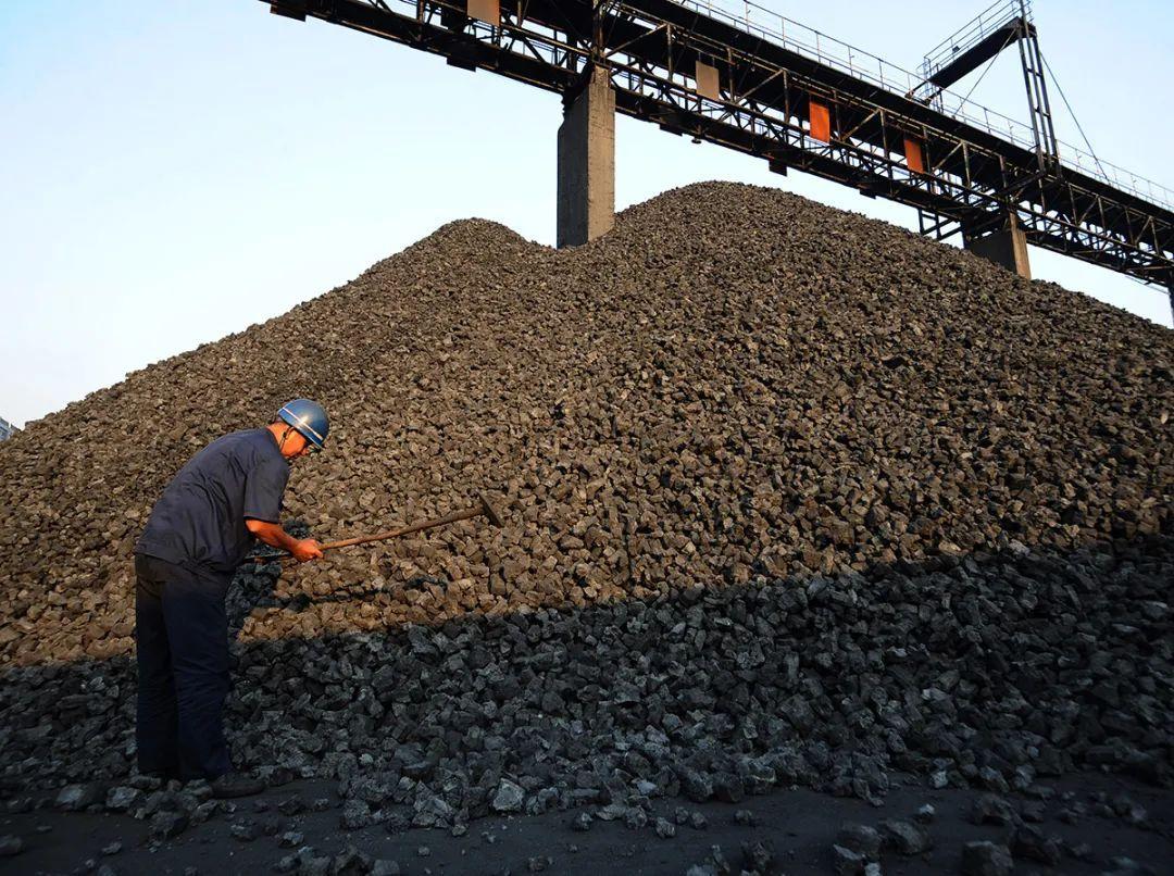 """连续8轮!""""无与伦比的双焦""""强劲起飞:炼焦煤焦炭年内上涨近40%"""