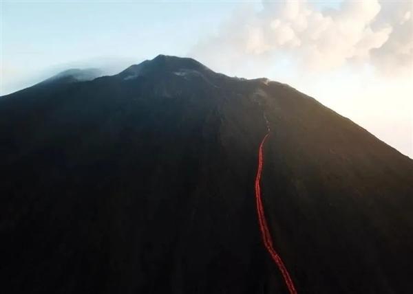 电银付小盟主(dianyinzhifu.com):火山在办公室旁边喷发是什么体验?华为告诉你 第4张