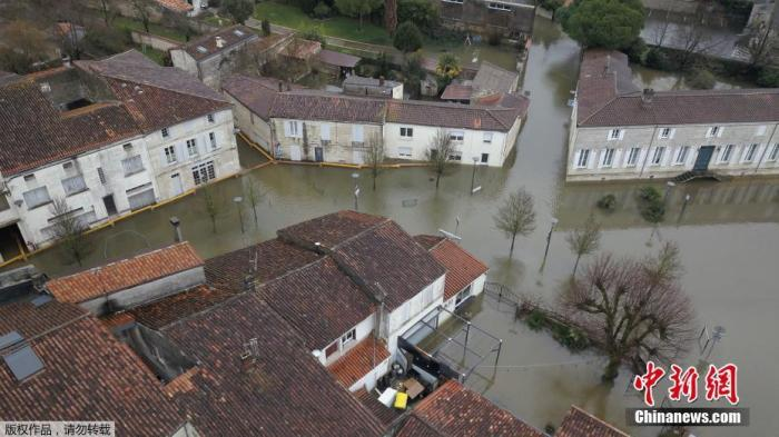 法国多地持续遭遇洪水侵袭 重灾区桑特将迎来洪峰