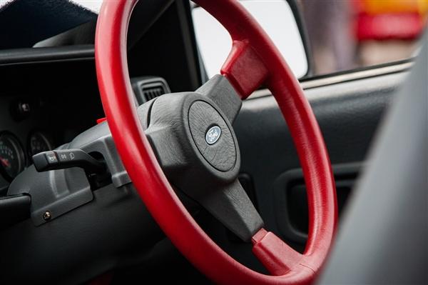 滴滴发布女司机报告:中国超70万女司机开网约车养活家庭