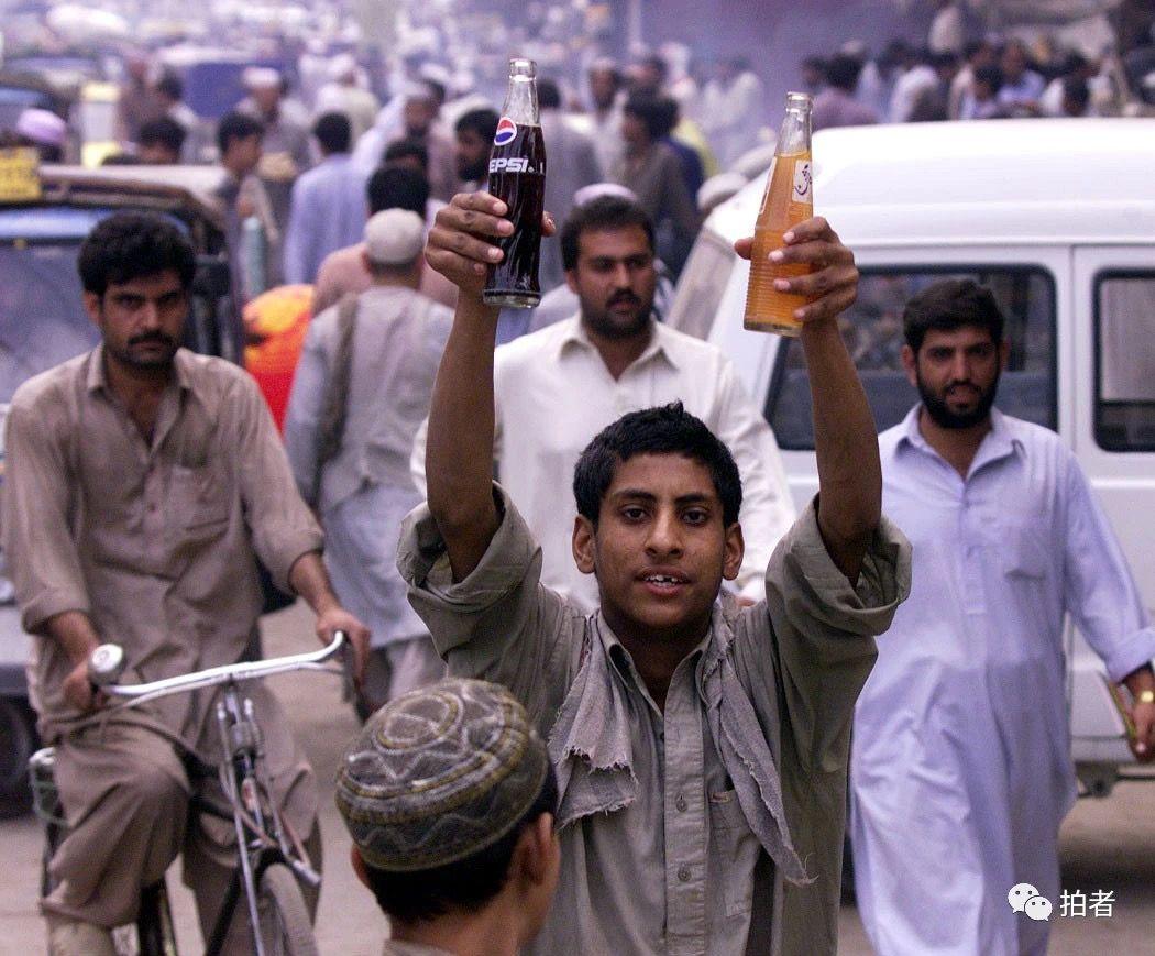 国事、民情、海外、战地……一位摄影记者30年的聚焦与思考