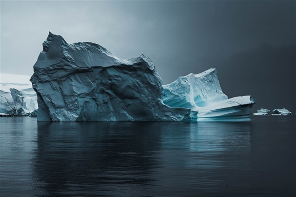 全球最大冰山从南极脱离!面积相当于纽约曼哈顿80倍