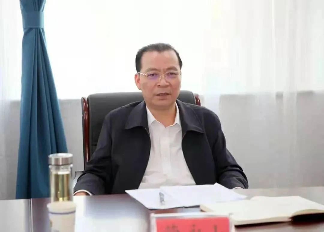 青海省检察长蒙永山主动投案