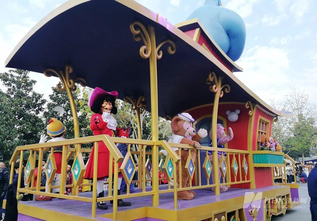 """5年笑纳400亿,上海迪士尼门票又要涨价了!最贵769元/张,你愿为""""童话梦""""继续买单吗?"""