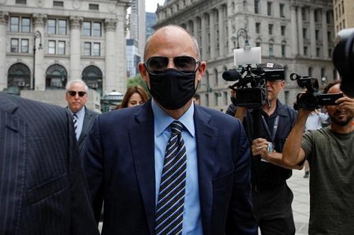 CBS:代理色情片女星与特朗普打封口费官司律师因勒索耐克被判坐牢