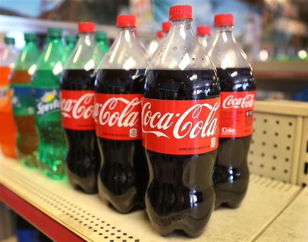 """可口可乐CFO谈""""C罗移走可乐事件"""":未影响销量"""