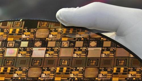 德媒:芯片巨头英特尔估计短缺延续到2023年 德国汽车业饱受其害