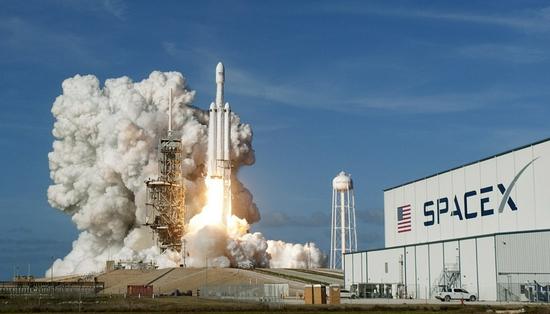 "SpaceX""重型猎鹰""火箭将协助NASA飞船飞往木卫二卫星"