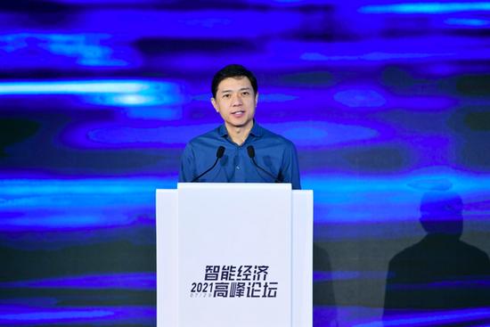 李彦宏:人工智能是新瓶装新酒八大关键技术将深刻改变社会