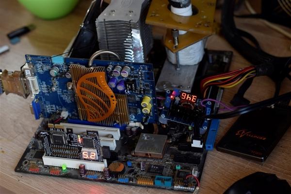 速龙64处理器不死 DDR内存频率冲上432MHz